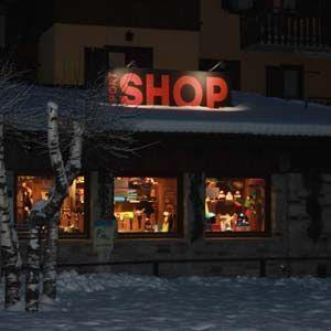 Exterior of the Deliv rent shop in Ponte di legno
